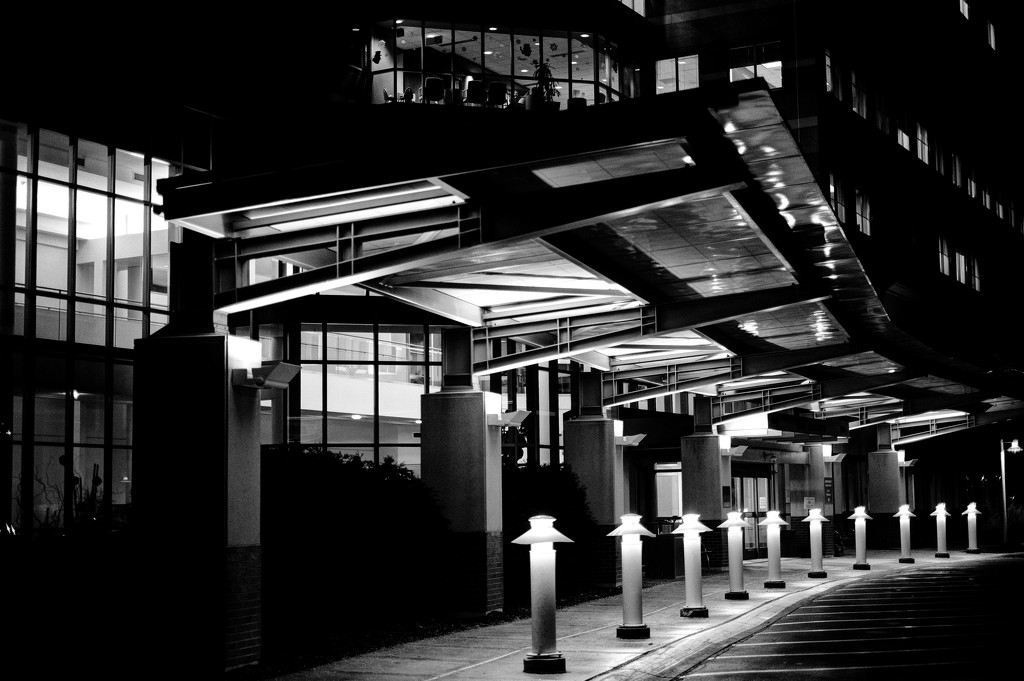 Night Entrance by tosee