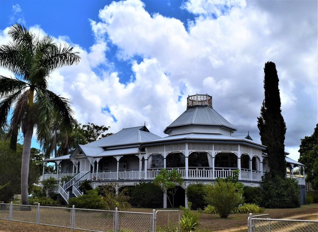 """Old """" Queenslander """" Home ~ by happysnaps"""