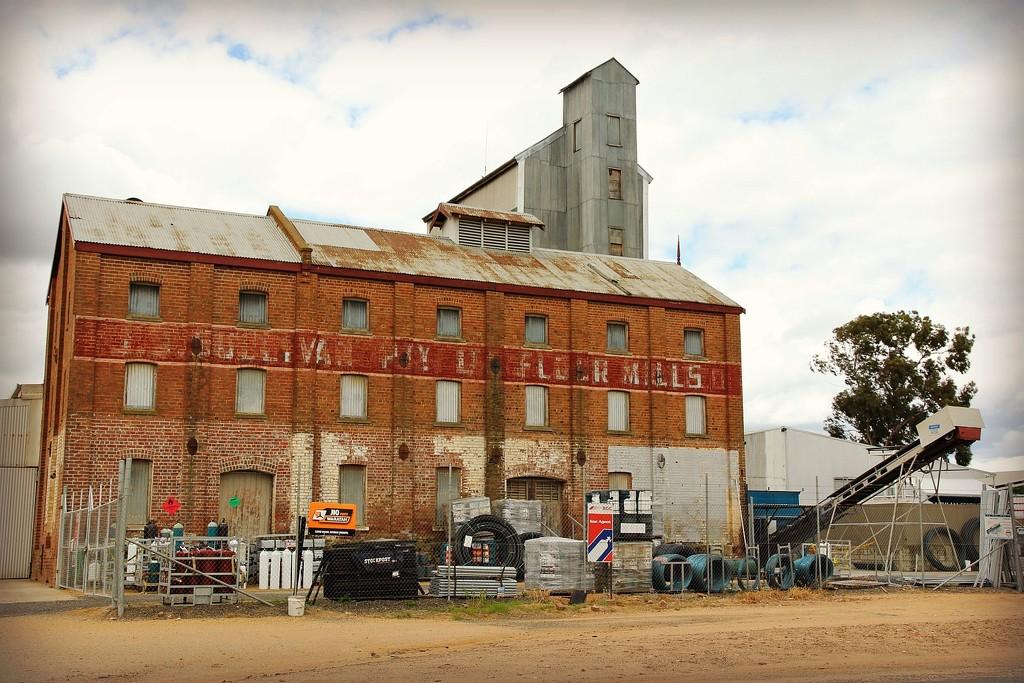 Sullivan Flour Mill by leggzy