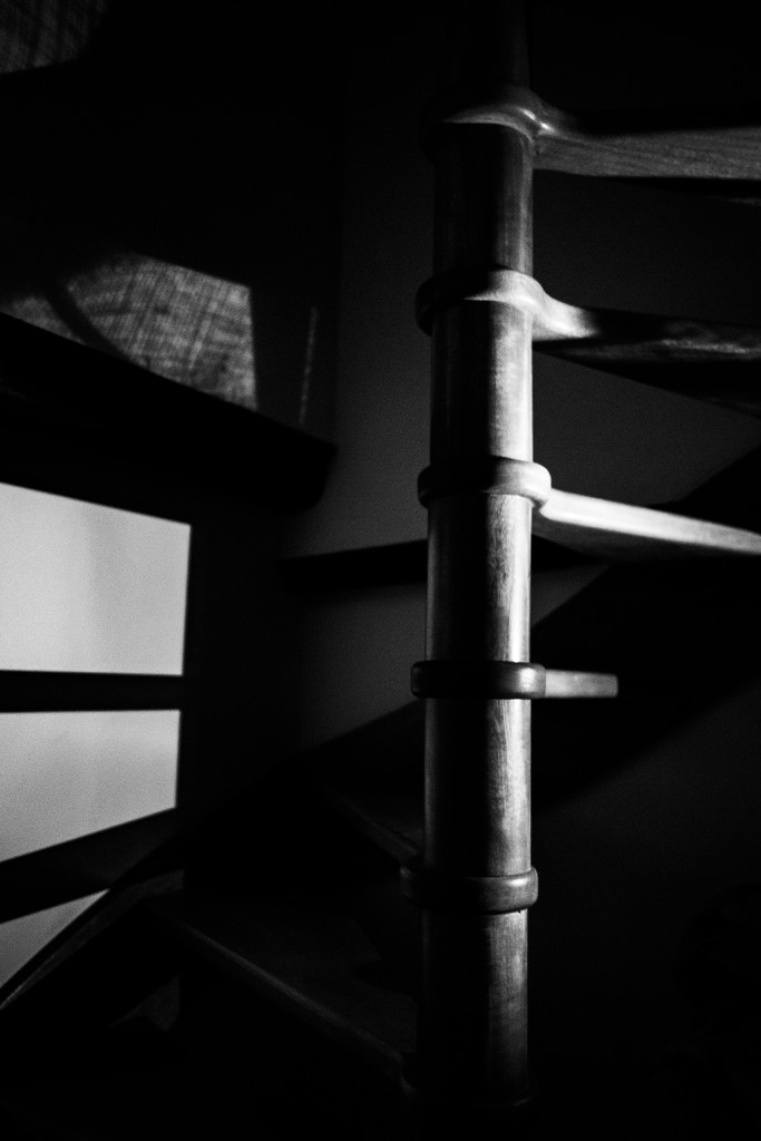 PLAY February - Fujinon 18mm f/2: Light & Shade by vignouse