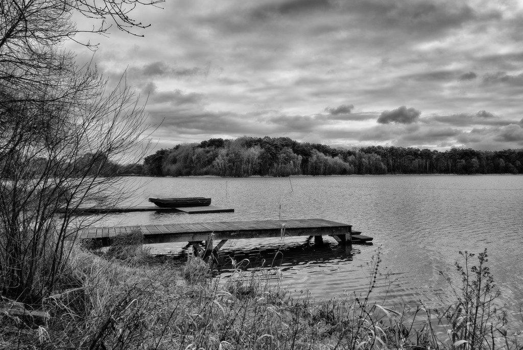 PLAY February - Fuji 18mm f/2: Centre Nautique by vignouse