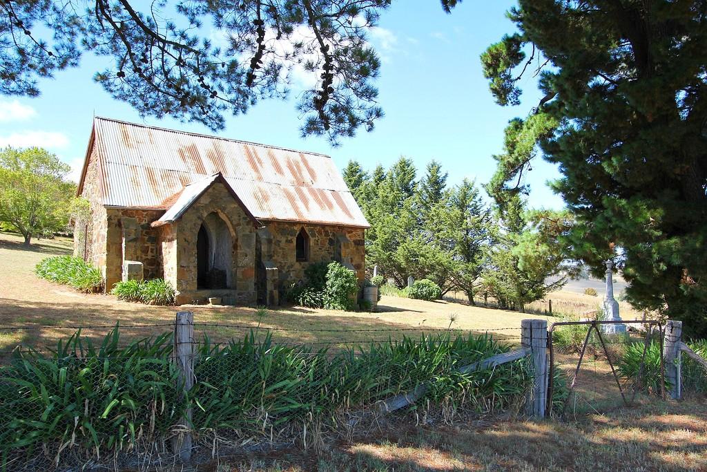 Unknown Anglican church by leggzy