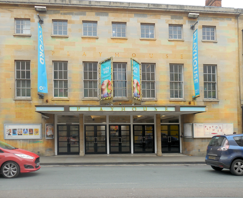 Oxford Playhouse by jon_lip