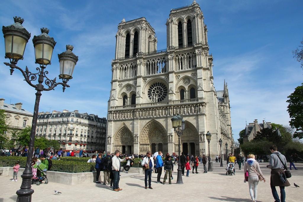 Notre Dame by leggzy