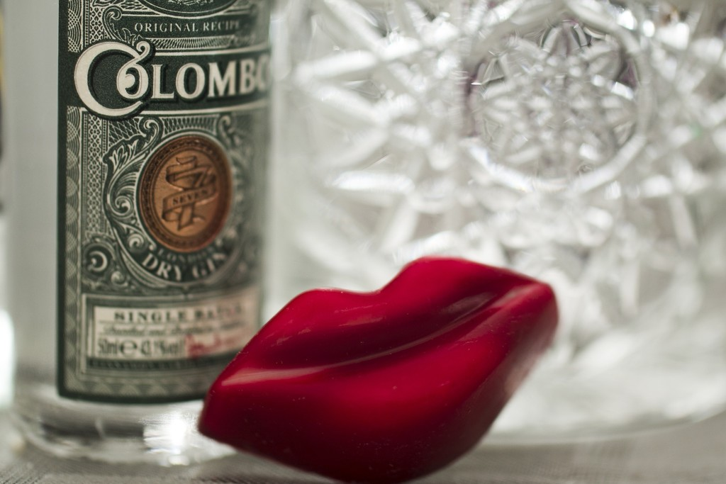 Gin lips with a gin and tonic by bizziebeeme