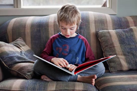 Reading by kiwichick