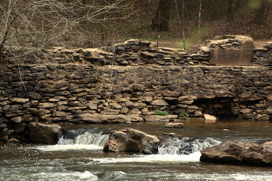 Old mill on the River by jnorthington