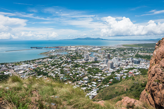 Townsville city from Castle Hill by bella_ss