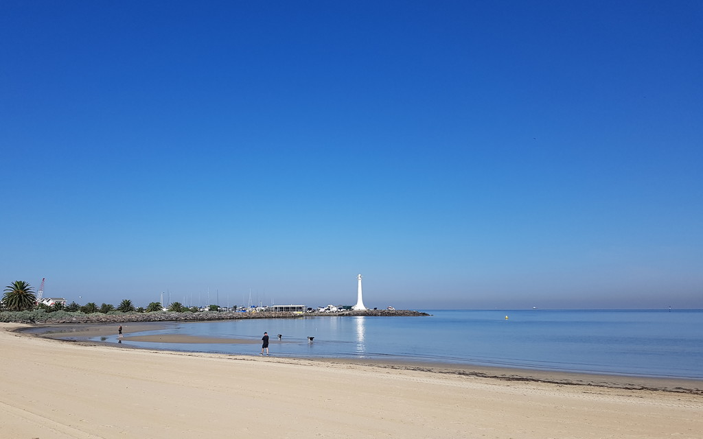 Perfect Melbourne Autumn Day at St Kilda Beach by princessm