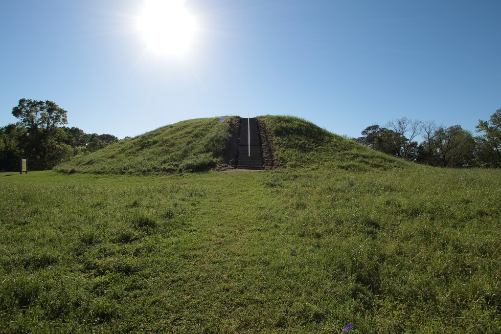Emerald Mound by blueberry1222