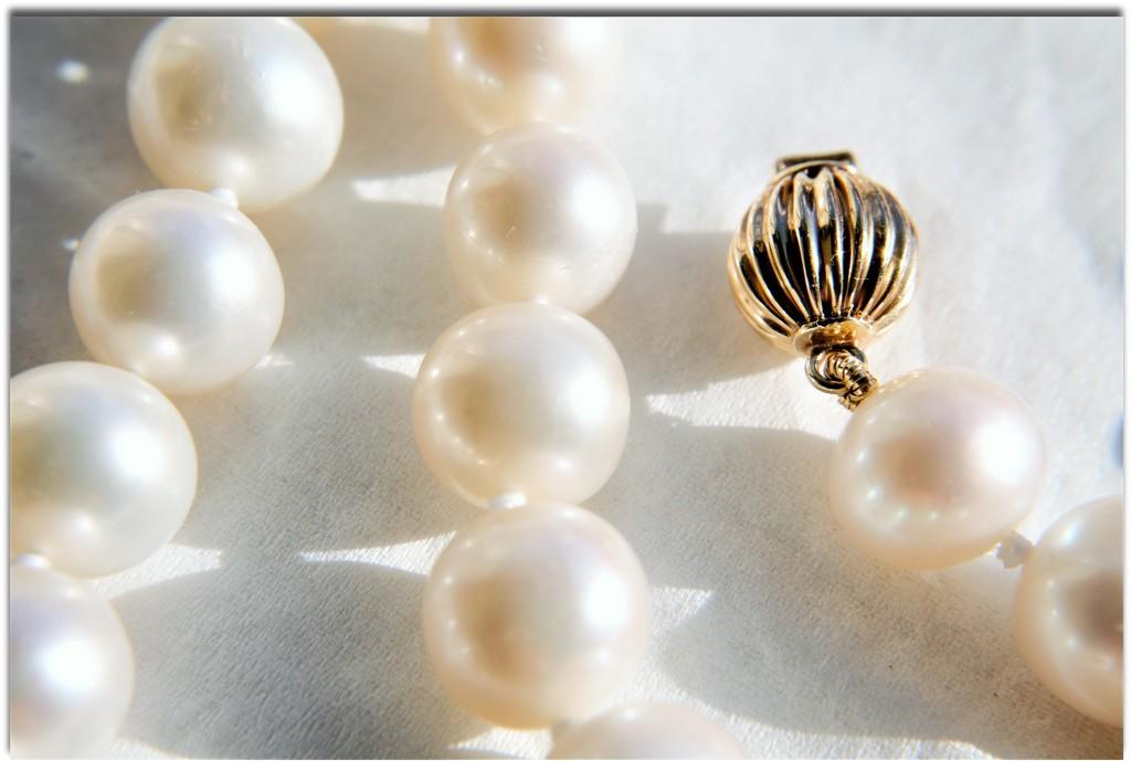 Pearls by granagringa