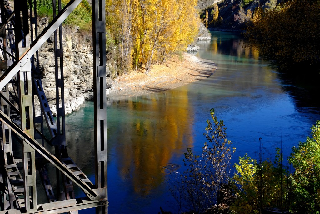 Kawarau River by dkbarnett