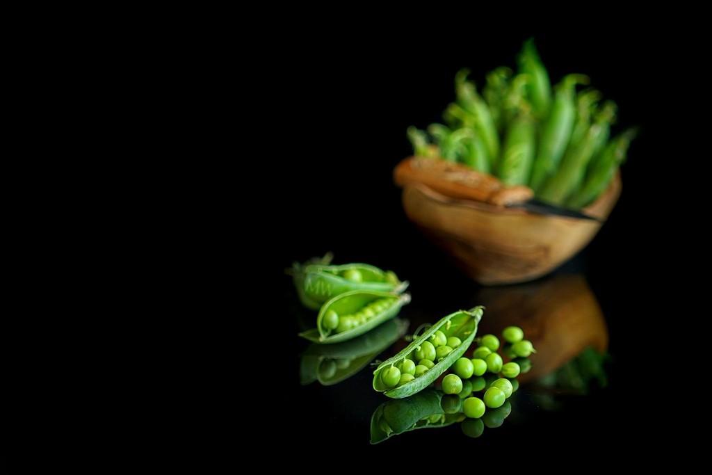 2017-04-29 like shelling peas by mona65