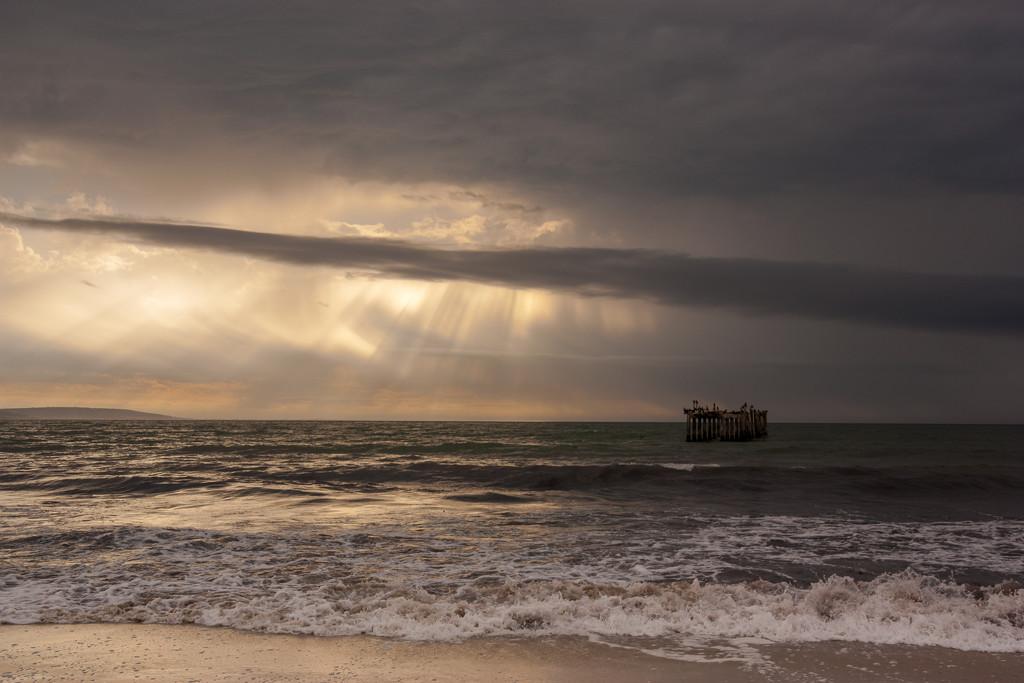 Stormy Skies by seacreature