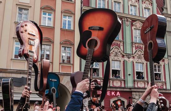 Gitarowy Rekord Guinnessa  by toinette