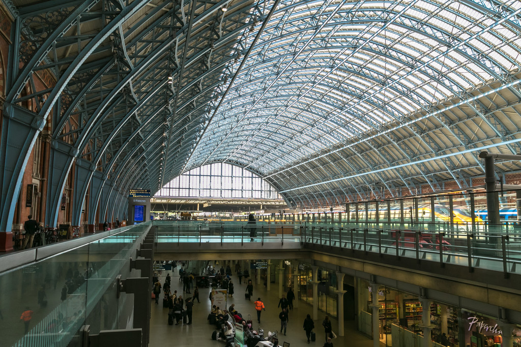London St Pancras Station by peadar