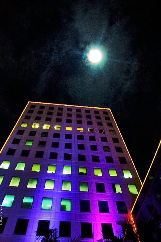 Moonlight over Q.C (Quezon City) by iamdencio