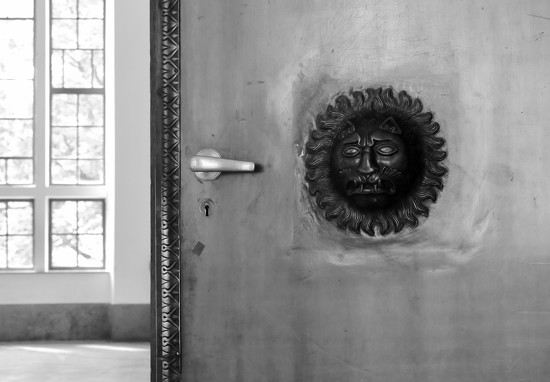 Door to the Grand Aula by toinette