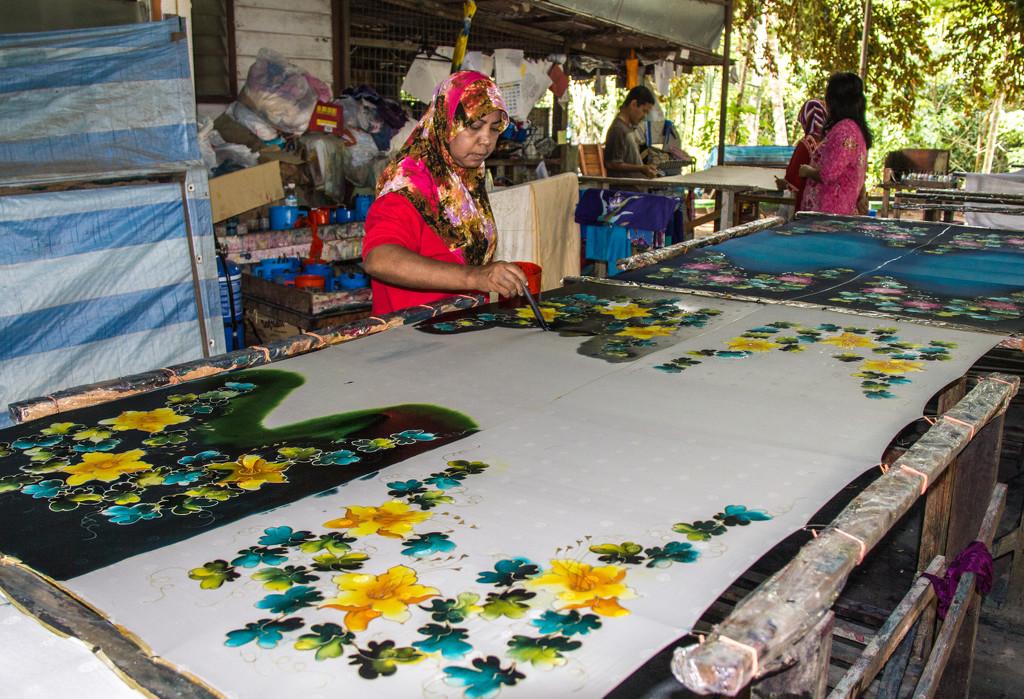 Making batik by golftragic
