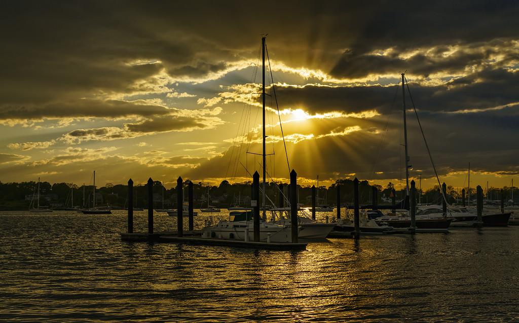 Sun Rays At Marina by jgpittenger