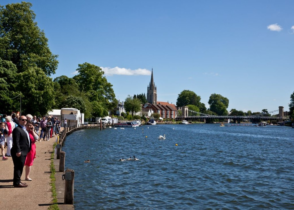 Marlow Bridge on Regatta Day by netkonnexion