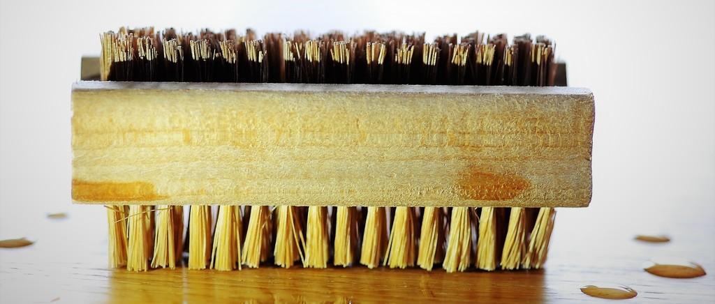 Nail brush by stimuloog