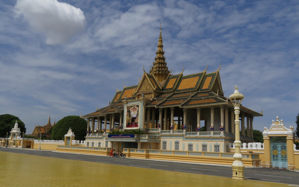 The Royal Palace in Phnom Penh by kathyladley