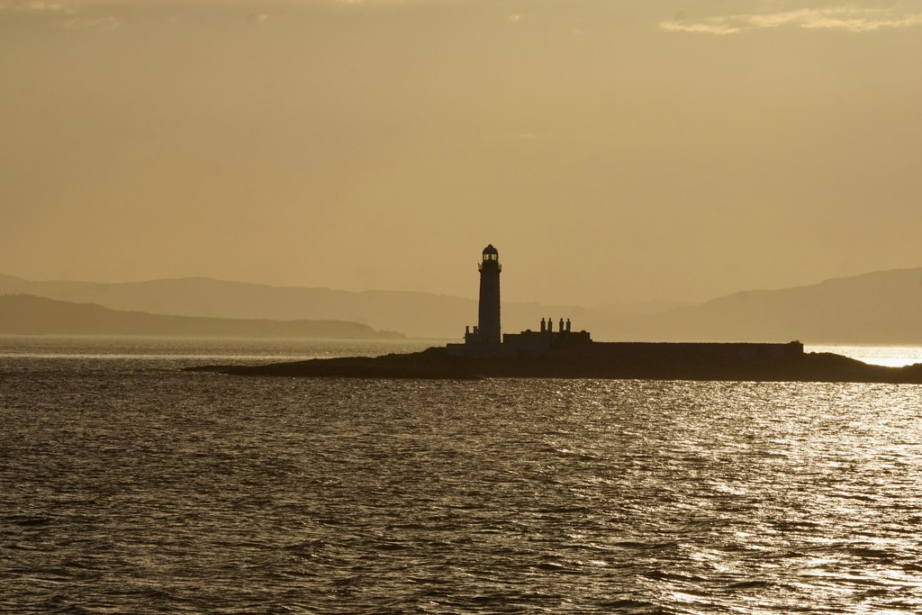 EVENING LIGHTHOUSE  by markp