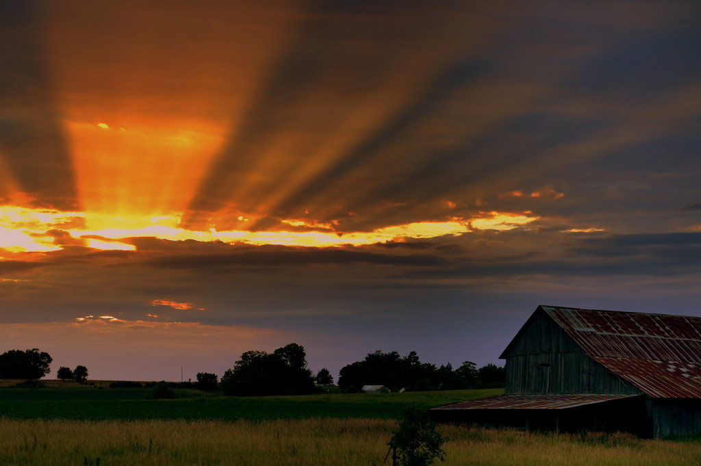 Evening Cloudscape and Barn by kareenking
