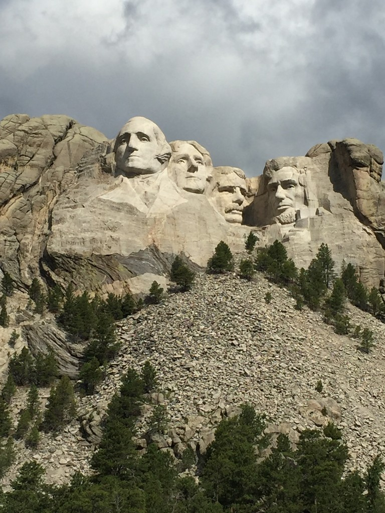 Mount Rushmore by louannwarren