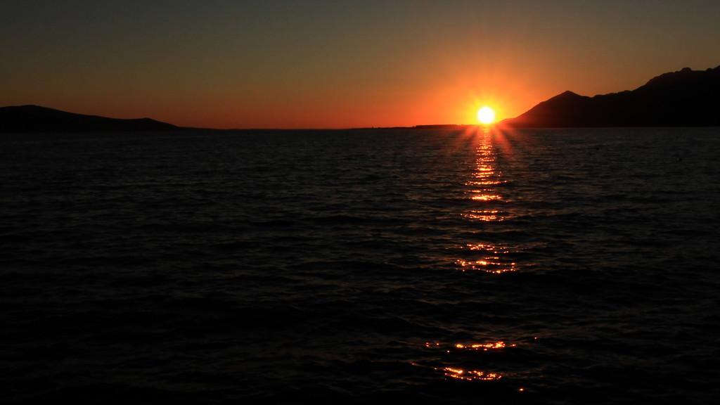 sunset in my eye by cherrymartina