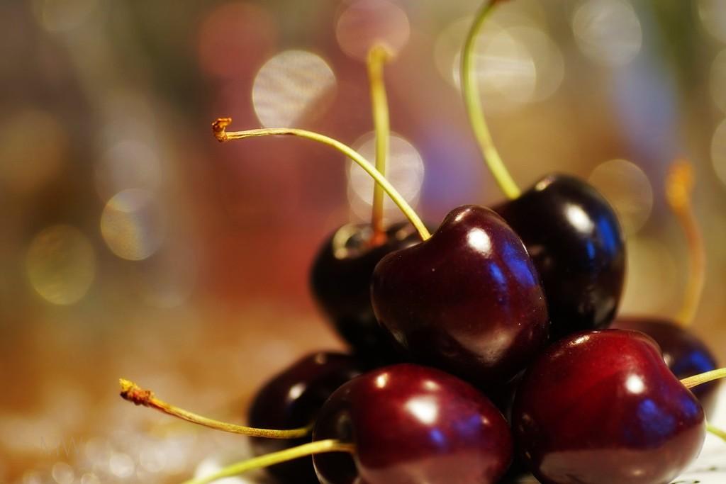 2017-07-05 precious cherries by mona65