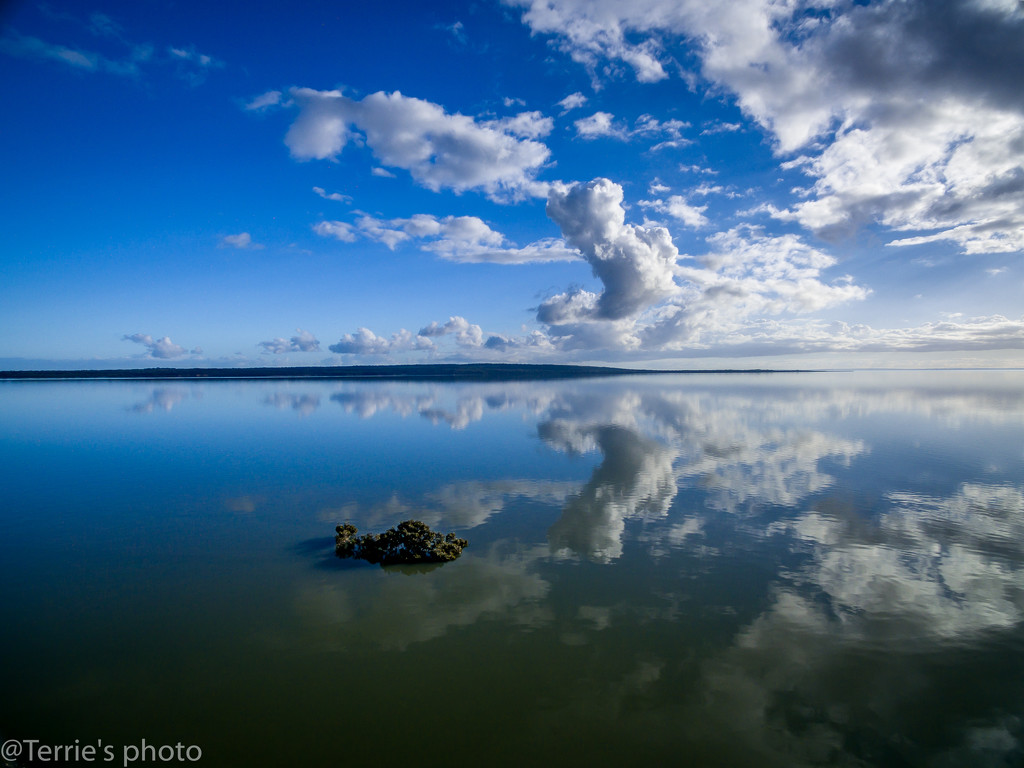 Cloud reflections by teodw