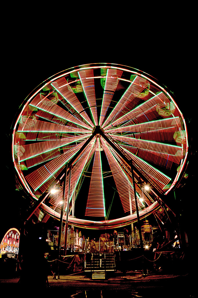 Long exposure/Ferris wheel! by fayefaye