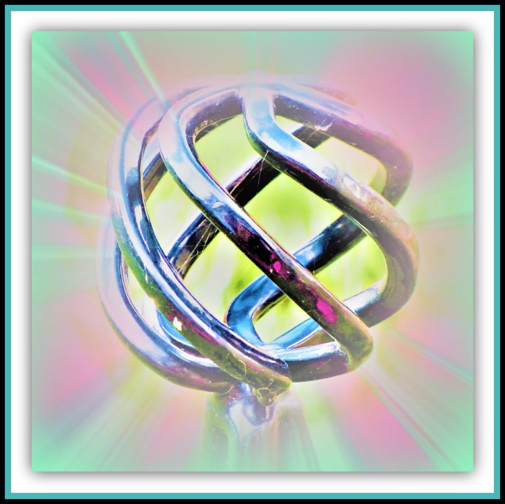 Sphere -1 by beryl