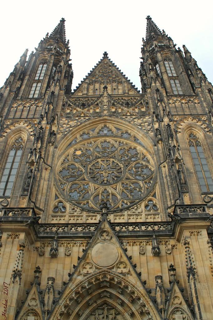 The Prague Castle Church by harbie