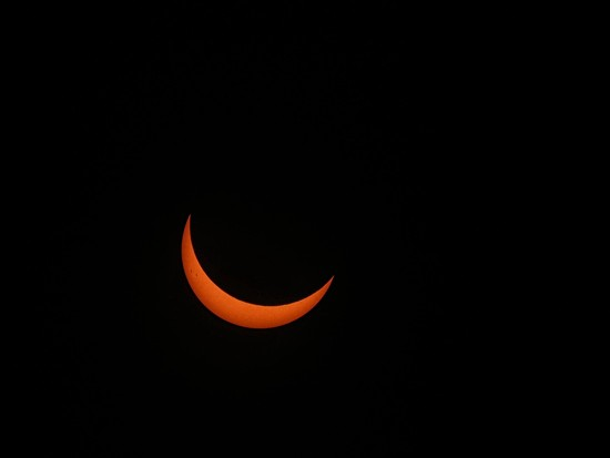 Crescent.....Sun? by grammyn