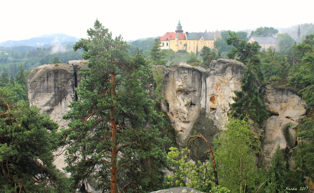 Castle Hruba Skala by harbie