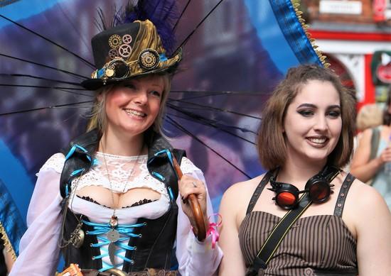 Steampunk Ladies by phil_sandford