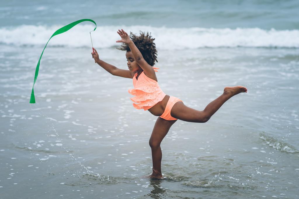 Ribbon Dancer by cjoye
