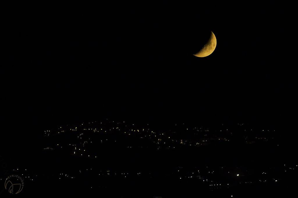 Moon Glitter by evalieutionspics