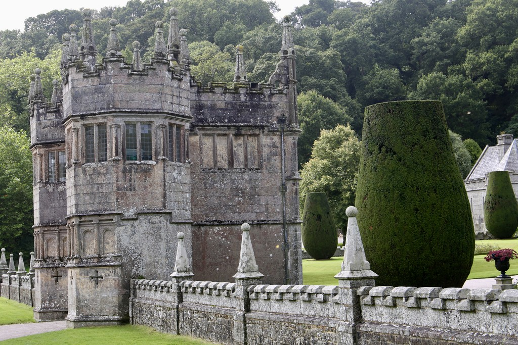 Gatehouse to Lanhydrock House by phil_sandford