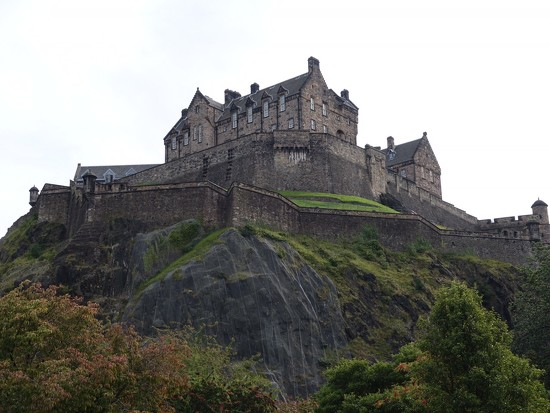 Edinburgh Castle by quietpurplehaze