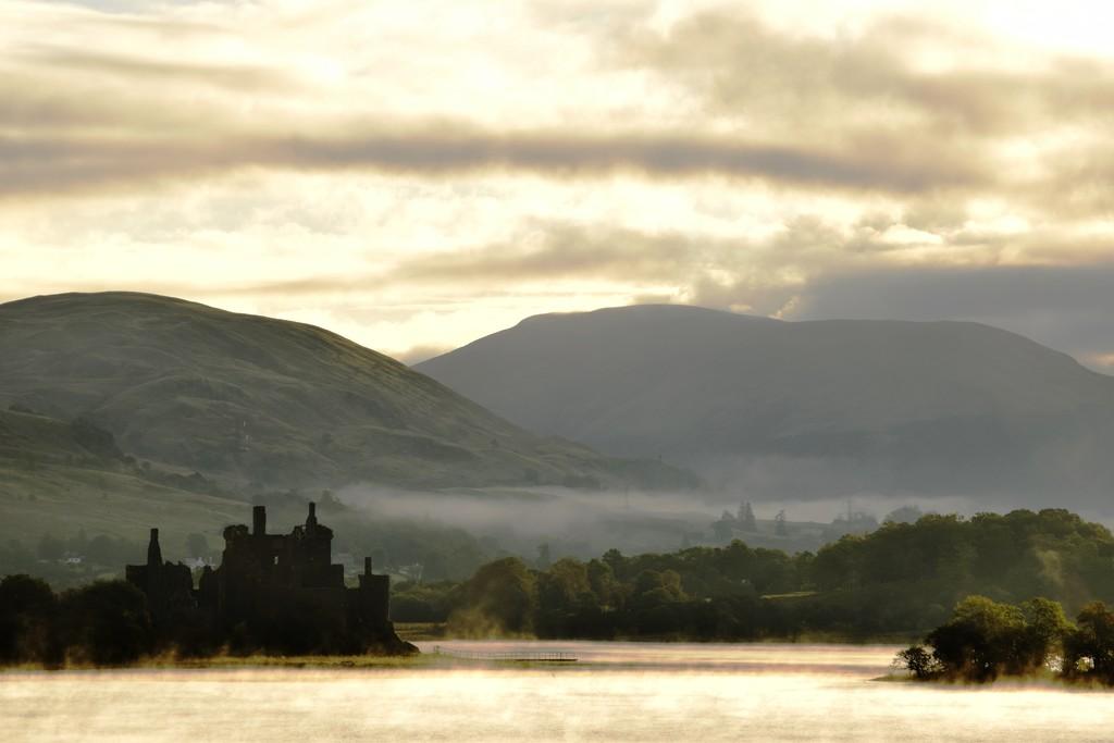 Loch Awe morning mist by christophercox