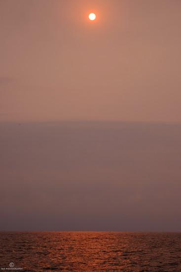 Hazy Sun by tosee