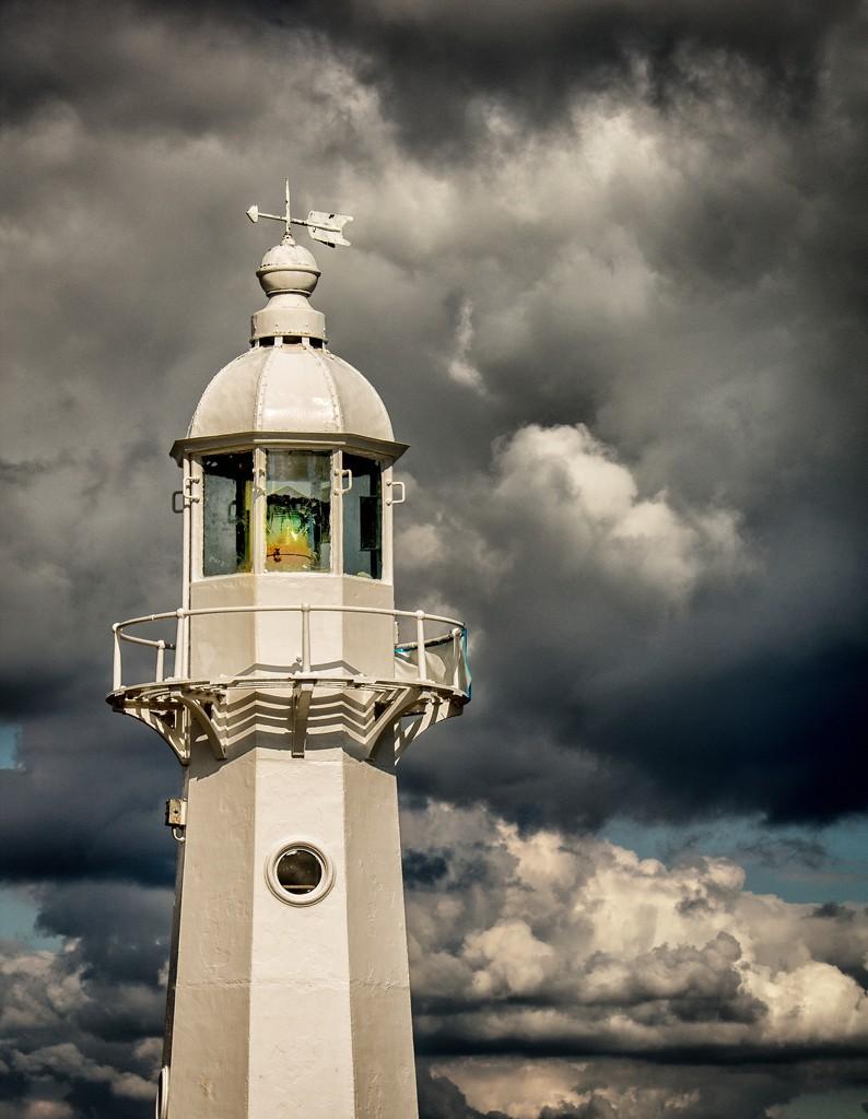Mevagissey lighthouse by swillinbillyflynn