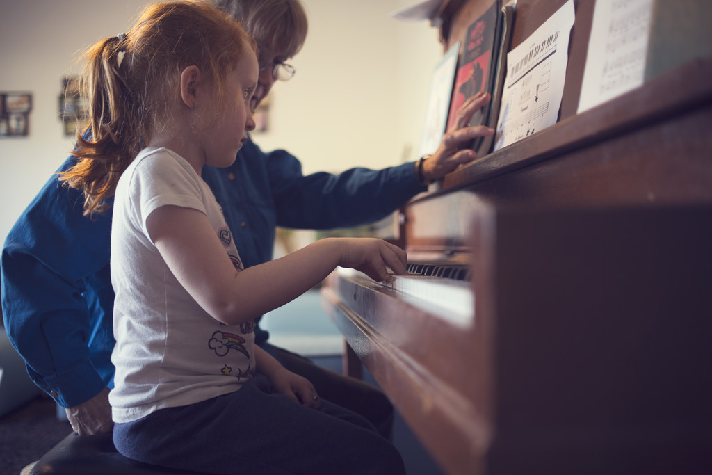 piano lessons by jessiolsenphotography