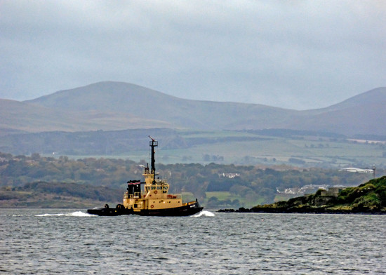 Small tug on the River Forth by frequentframes