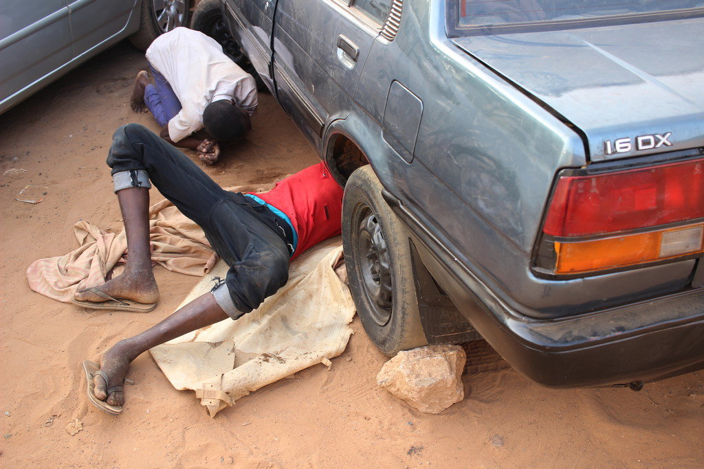 Car repair in Niamey by vincent24
