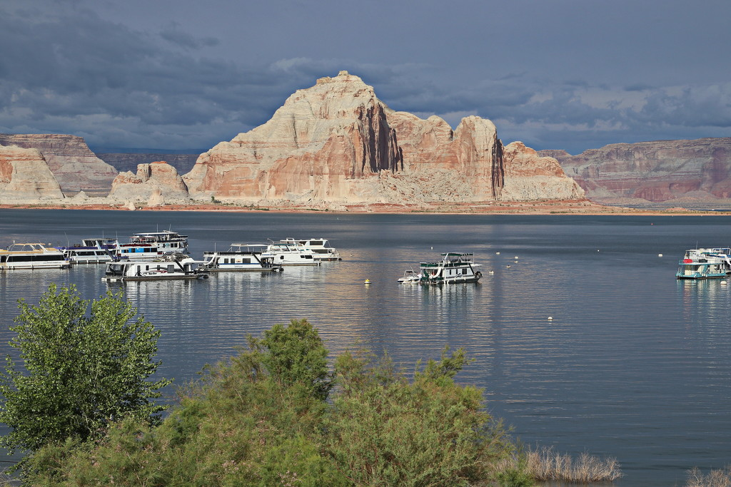 Padre Point, Lake Powell by terryliv